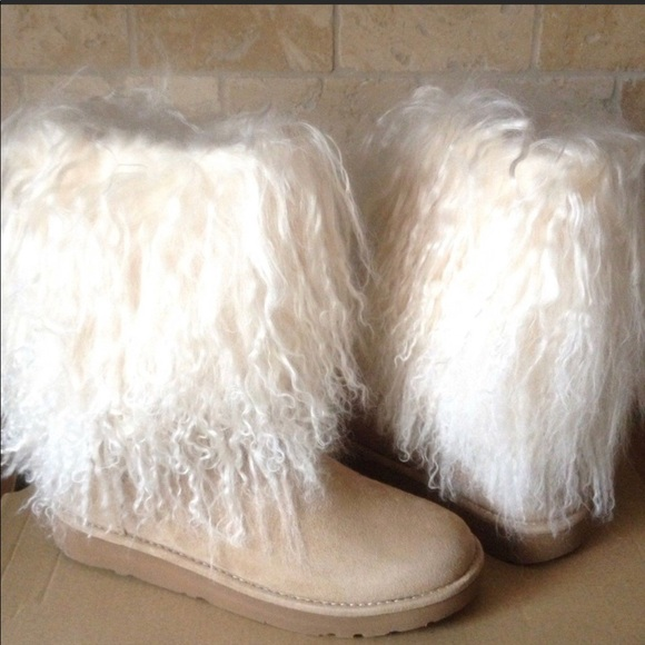 717ce151eac Classic Short Mongolian Uggs NWT